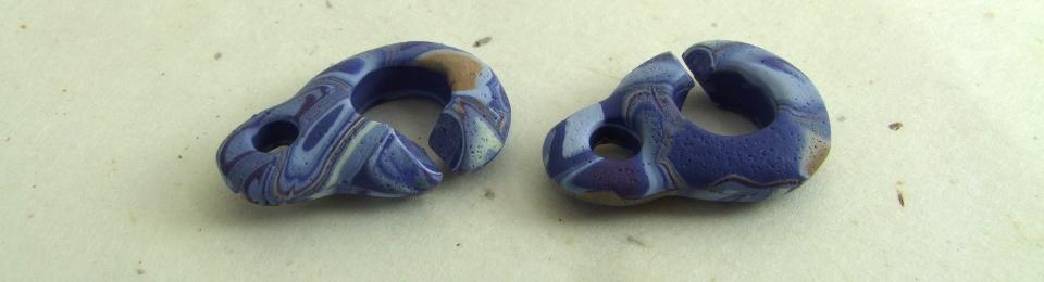 Indigo polymer clay toggle