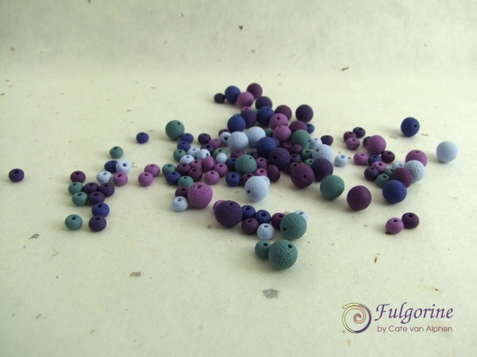 Violet palette spacer beads by Cate van Alphen